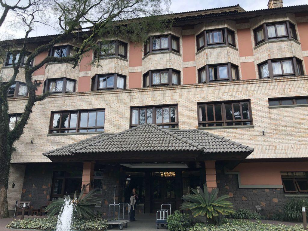 https://chicaslokas.com.br/2019/09/05/hotel-serra-nevada-canela/