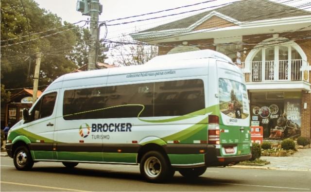 Van Brocker Turismo