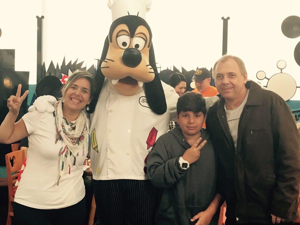 Chef's Mickey - tomando o café da manhã com Mickey e seus amigos